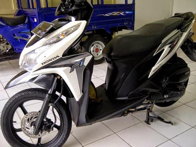 Motor Bekas Honda Vario 2013 Pgm F1 Putih Silver Murah