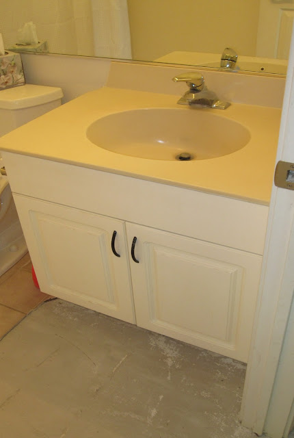 bathroom before remodel