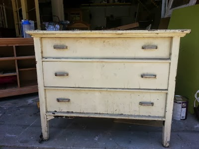 http://startathome.blogspot.com/2013/07/old-chest-new-life.html