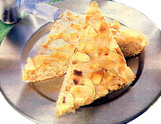 миндальное пирожное
