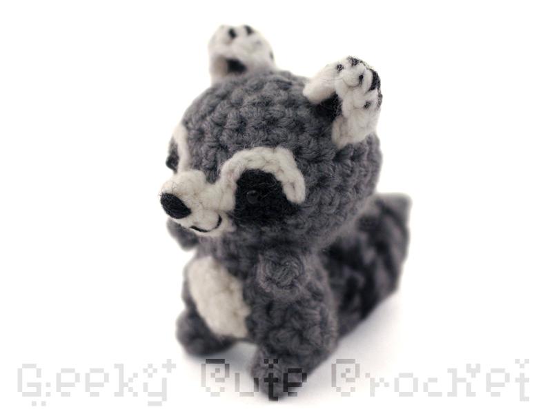 Amigurumi Raccoon : Geeky Cute Crochet Blog: New Amigurumi Animals!