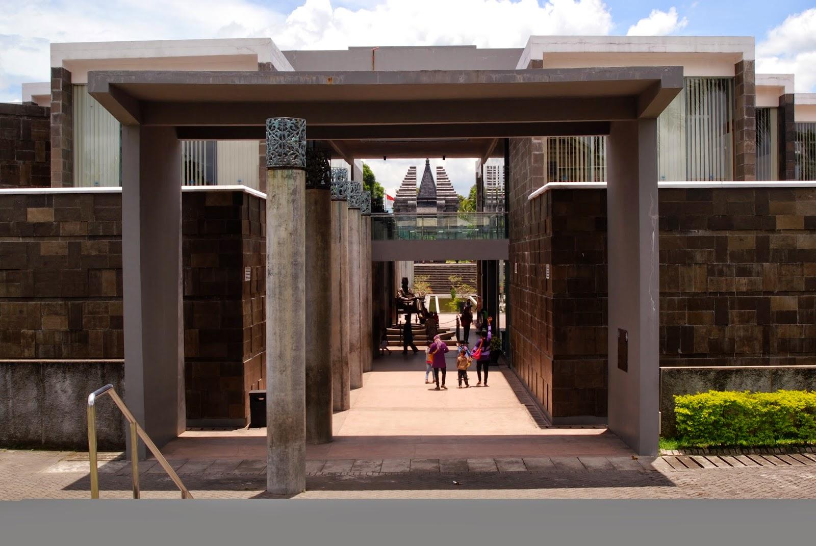 Pak Karno, Perpustakaan, dan Museum