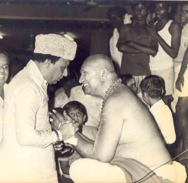 'Ponmana Chemmal' MGR & Kirubanantha Variyar
