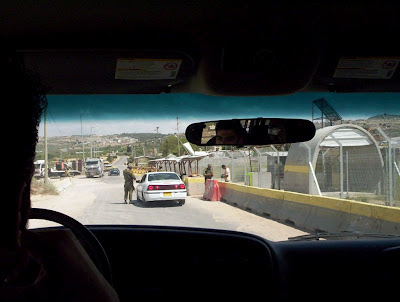 Check point israelense em territórios palestinos
