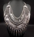 http://www.stylemoi.nu/silver-leaf-coin-tassel-statement-necklace.html