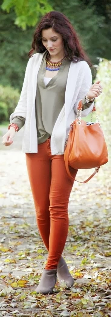 Grullo Color Shirt, White Long Sleeve Sweater With Flame Jeans And Light Grey Boot