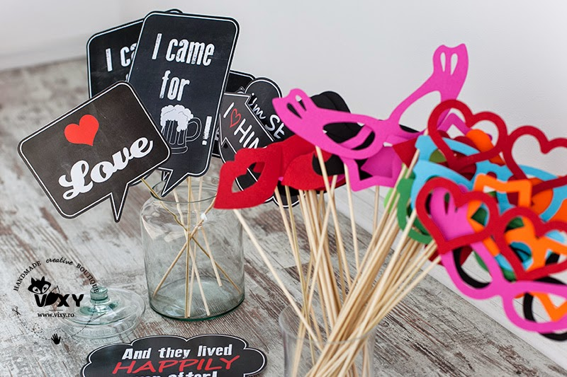 accesorii foto, mesaje pe bete, photobooth, photo props, mustati pe bete, buze pe bete, mesaje haioase