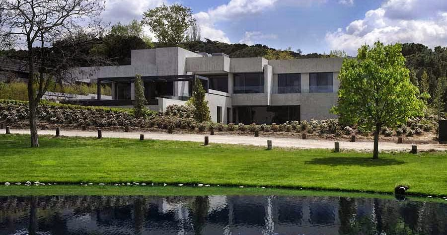 Arquitectura de casas casa residencial de concreto for Casa minimalista residencial
