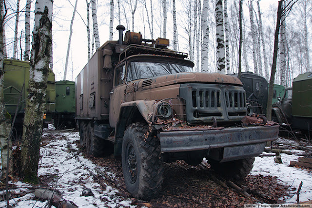 Заброшенная военная техника России