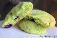 http://foodiefelisha.blogspot.com/2012/12/pistachio-cran-sugar-cookies.html