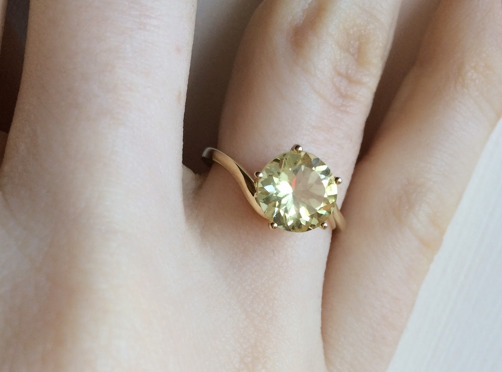 yellow-diamond-look-ring
