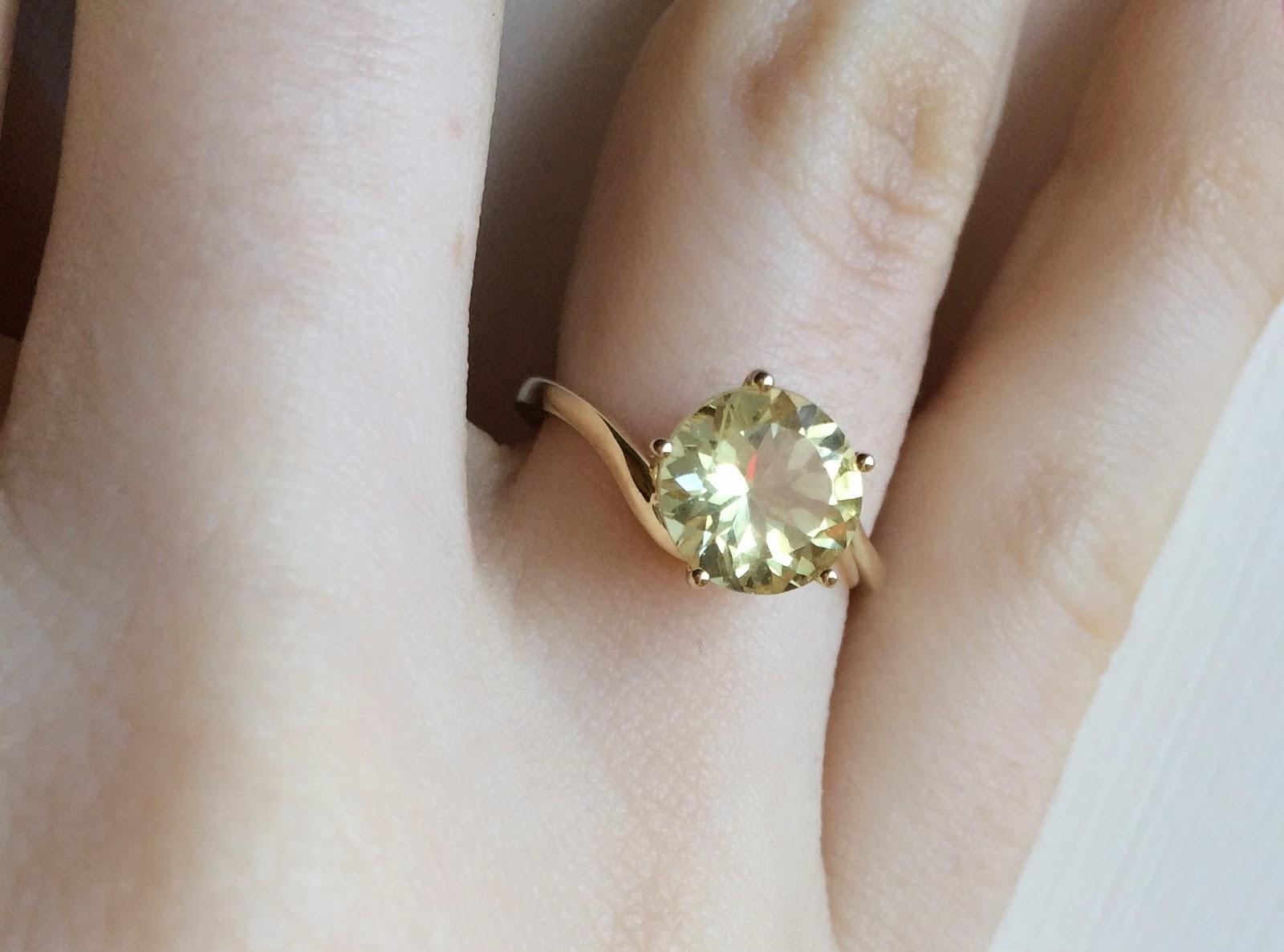yellow-diamond-look-ring
