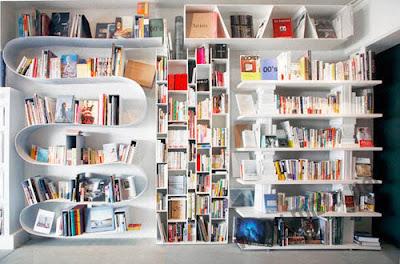 11 Desain Lemari Buku Yang Keren!