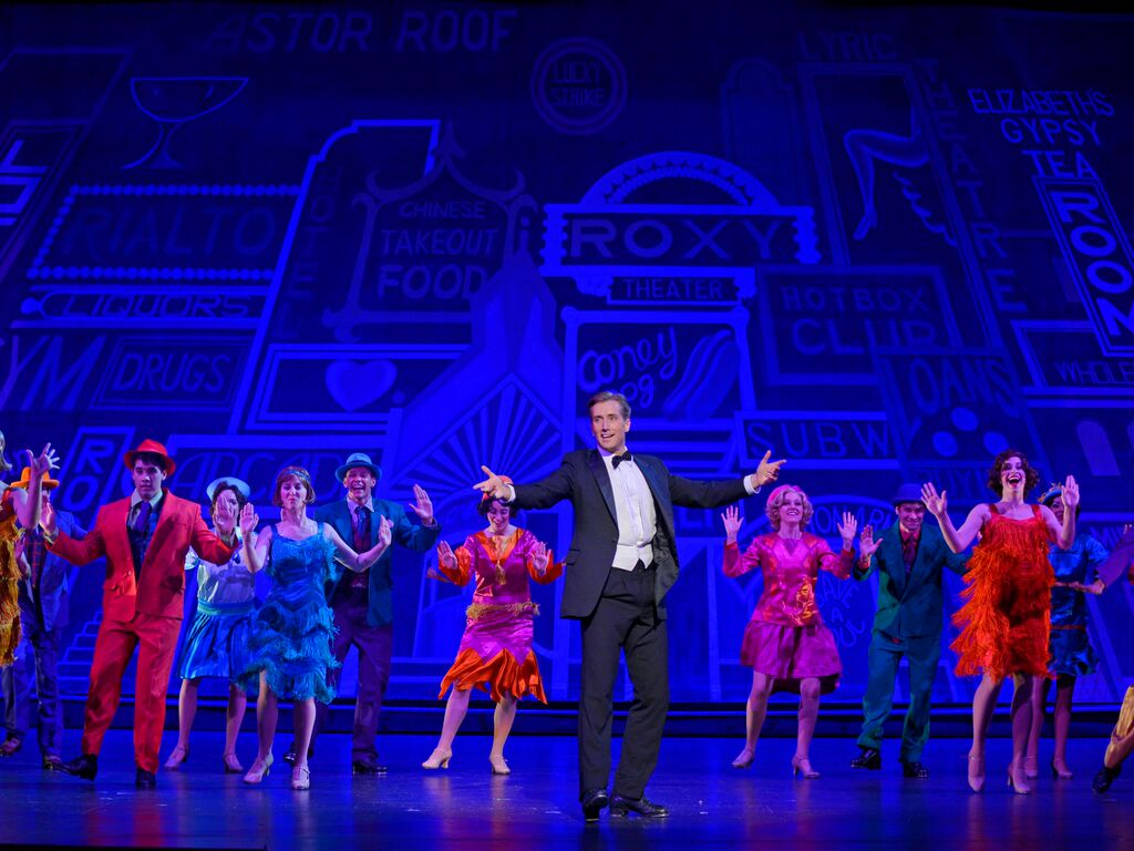 Review of Singin  in the Rain at Singapore Marina Bay Sands     Londonist BroadwayMelody  jpg