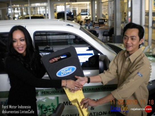 Yakin Ditolong Presiden SBY: Angelina Sondakh (2011)