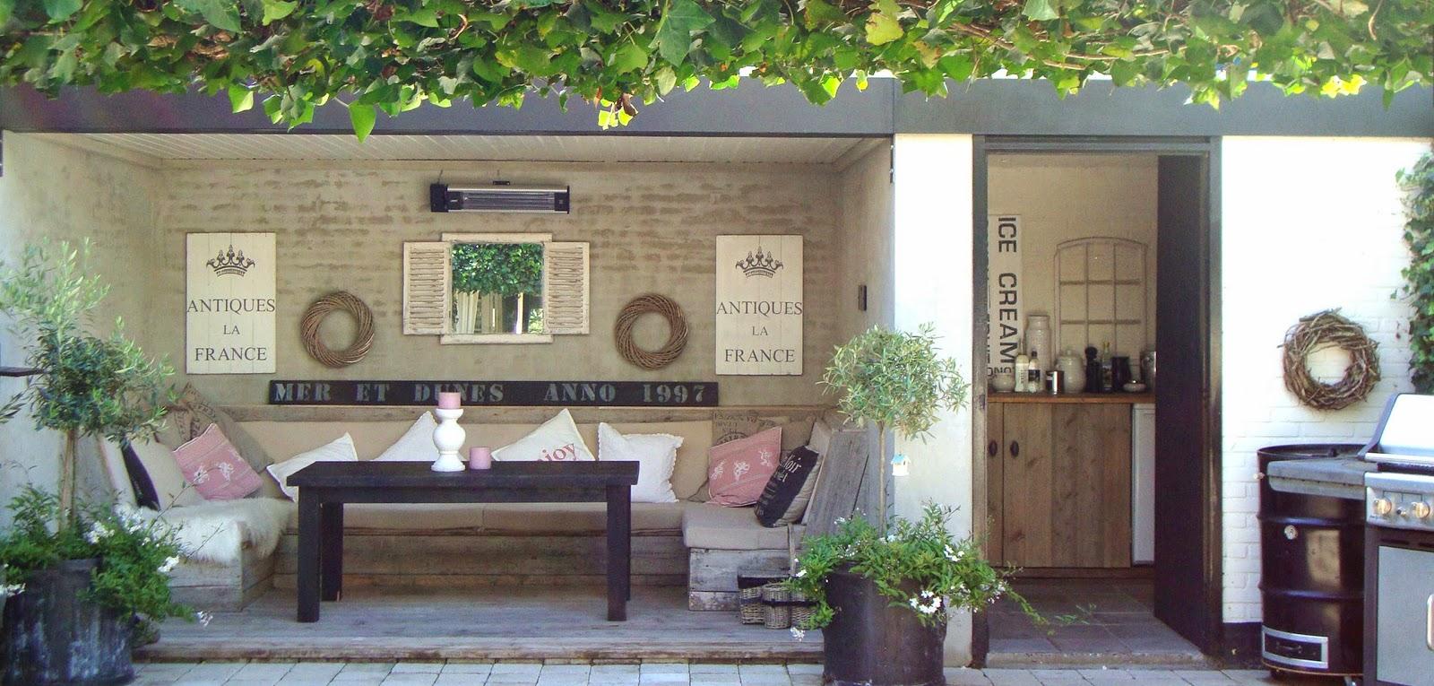 Idee n voor het terras en tuin on pinterest verandas tuin and patio - Decoratie binnen veranda ...