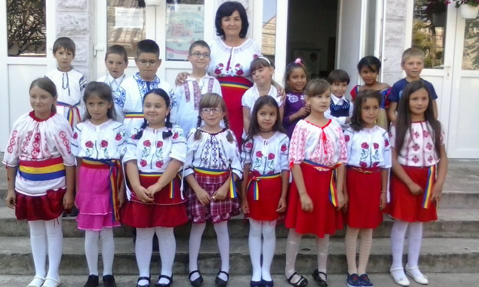 Început de an școlar, 2017. Înv. Melania Dinu