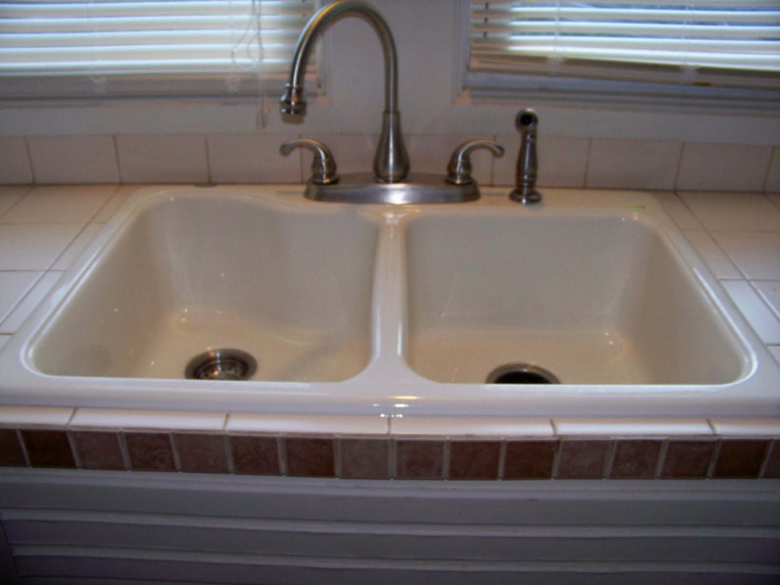 Simply HomeMade: The (New) Kitchen Sink