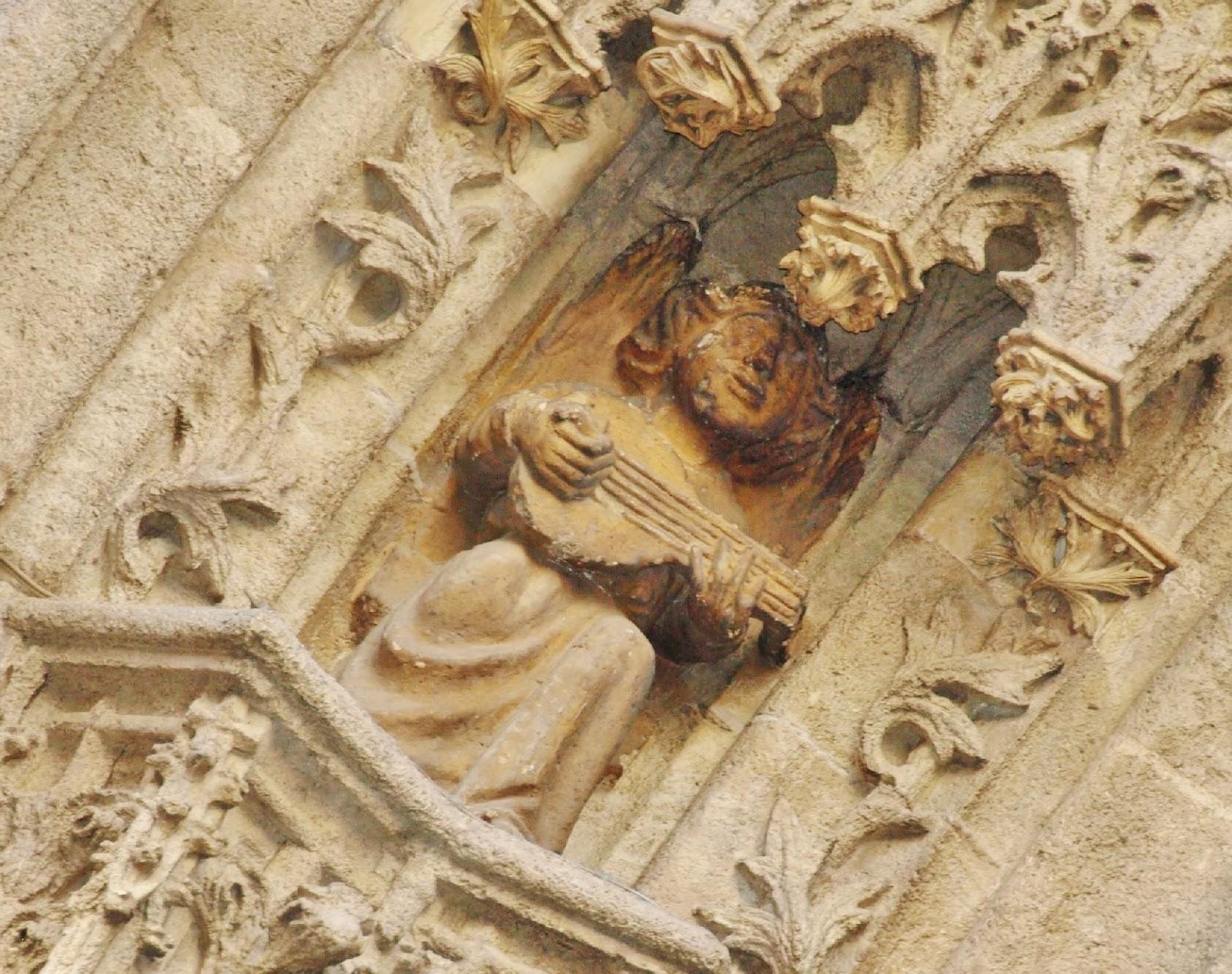 Sevilla daily photo la puerta del nacimiento 5 las for Puerta 4 del jockey