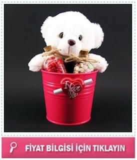 sevgiliye romantik yılbaşı hediye sepeti