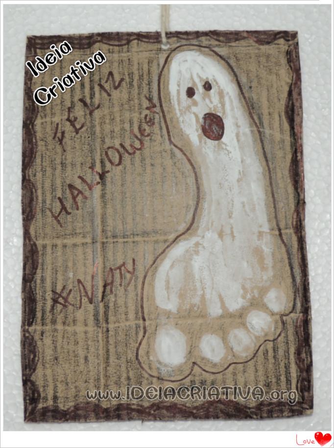 Atividade Carimbo de Pés Halloween Quadro de Papelão Fantasminha