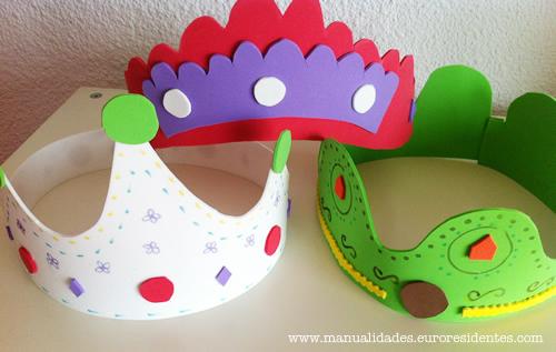 Manualidades: Cómo hacer una corona con goma eva