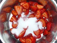 Charlota con bavarois de fresas - relleno 2.2