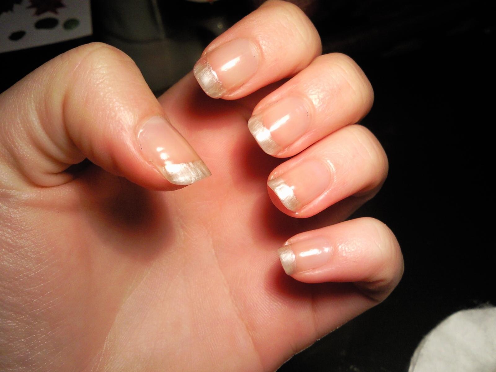 Manicura con flor de pascua poinsettia manicure nivel medio