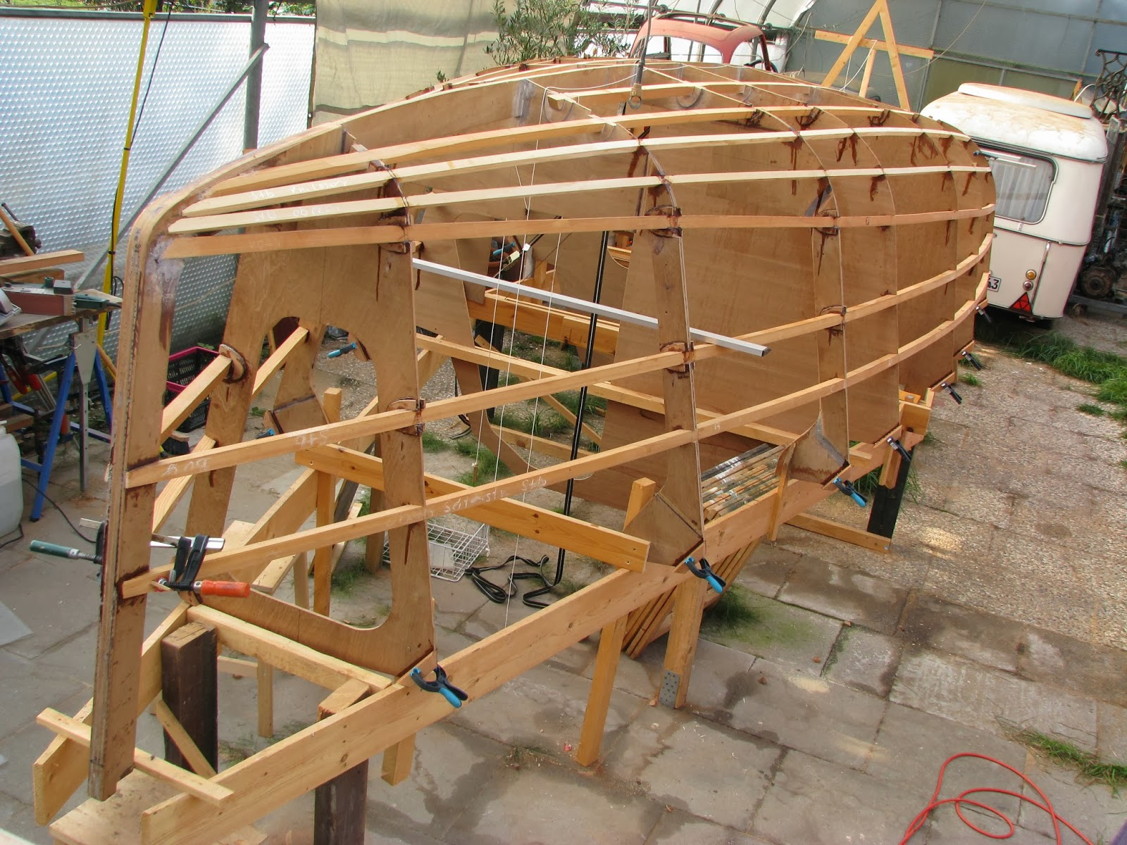 how to make a working boat