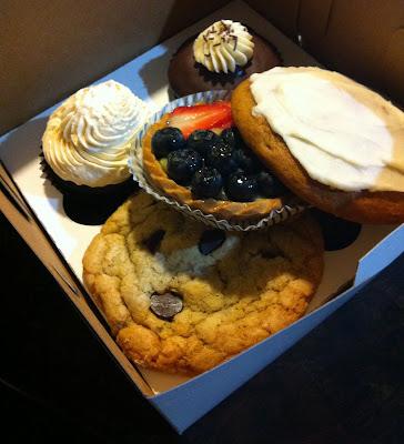 Doeblerghini Bunch: Wedding Cake Tasting at Madison Ave Cakes