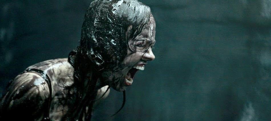 Film horror con gli alieni cattivi maximum film for Sedia horror