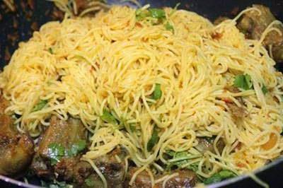 Vietnamese Food - Bún Xào Nghệ với Đuôi Bò
