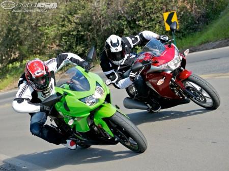 Ninja 250R vs CBR 250R