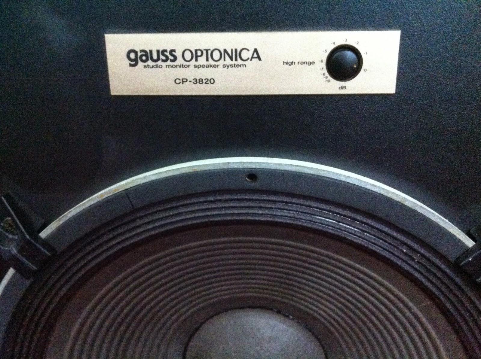 Cận cảnh Bass CP-3820