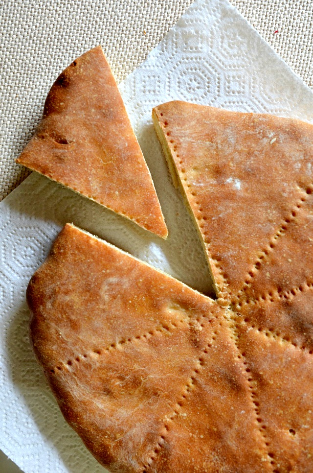 House vegan grandmas syrian bread my grandmas syrian bread is a family favorite and one that im happy to share today its one of those foods that is served with every family meal and get forumfinder Images
