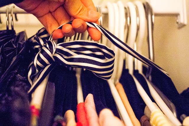 Vancouver fashion blogger Jasmine Zhu packing for a move tip, quick packing tip