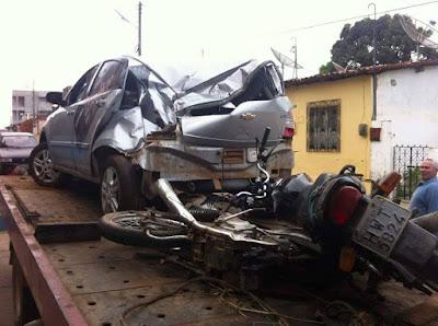 Acidente deixa três pessoas mortas e uma ferida em Guaraciaba do Norte-CE.