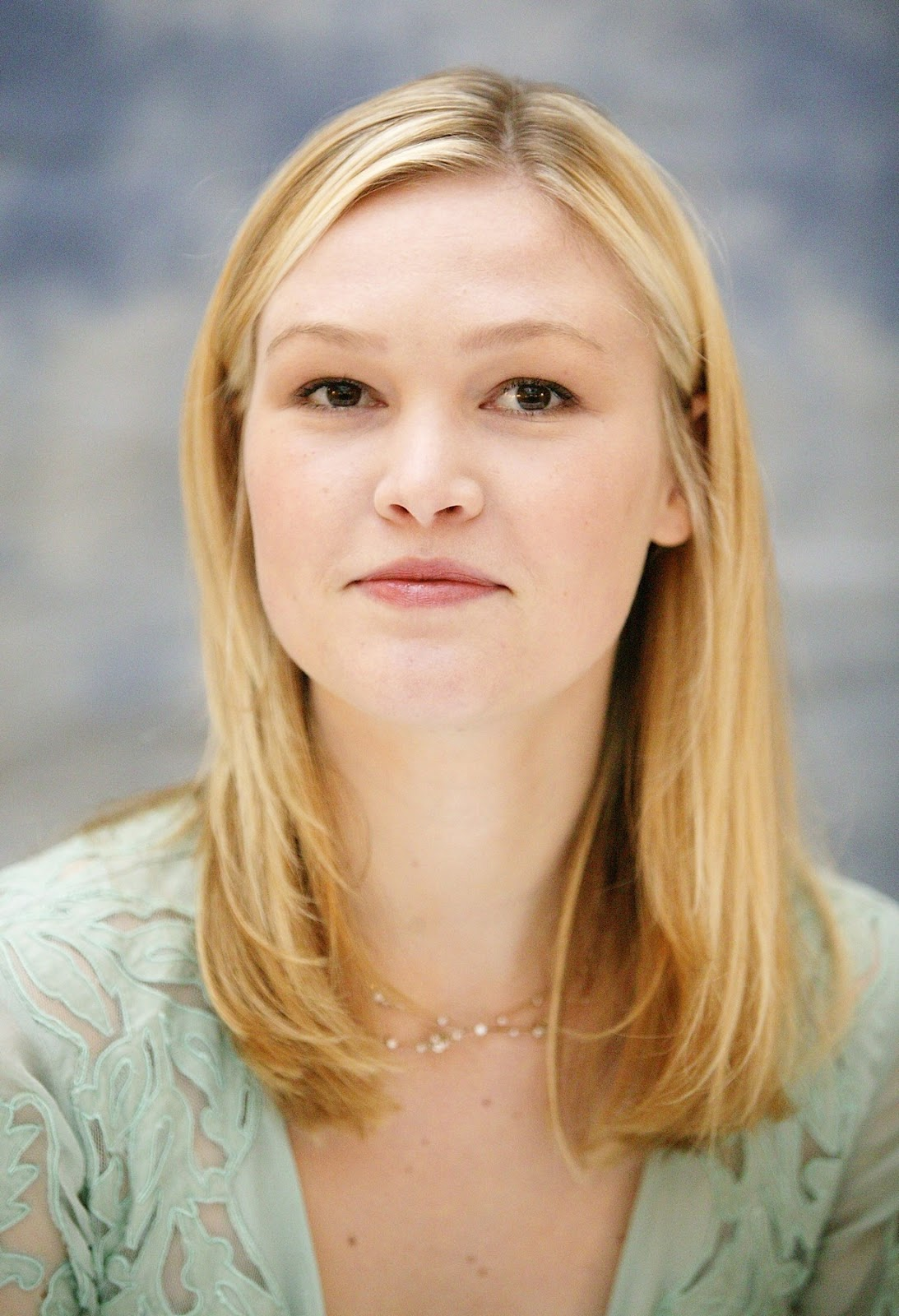 julia stiles hd wallpapers high definition free