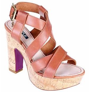 Cuplé zapatos verano 2011