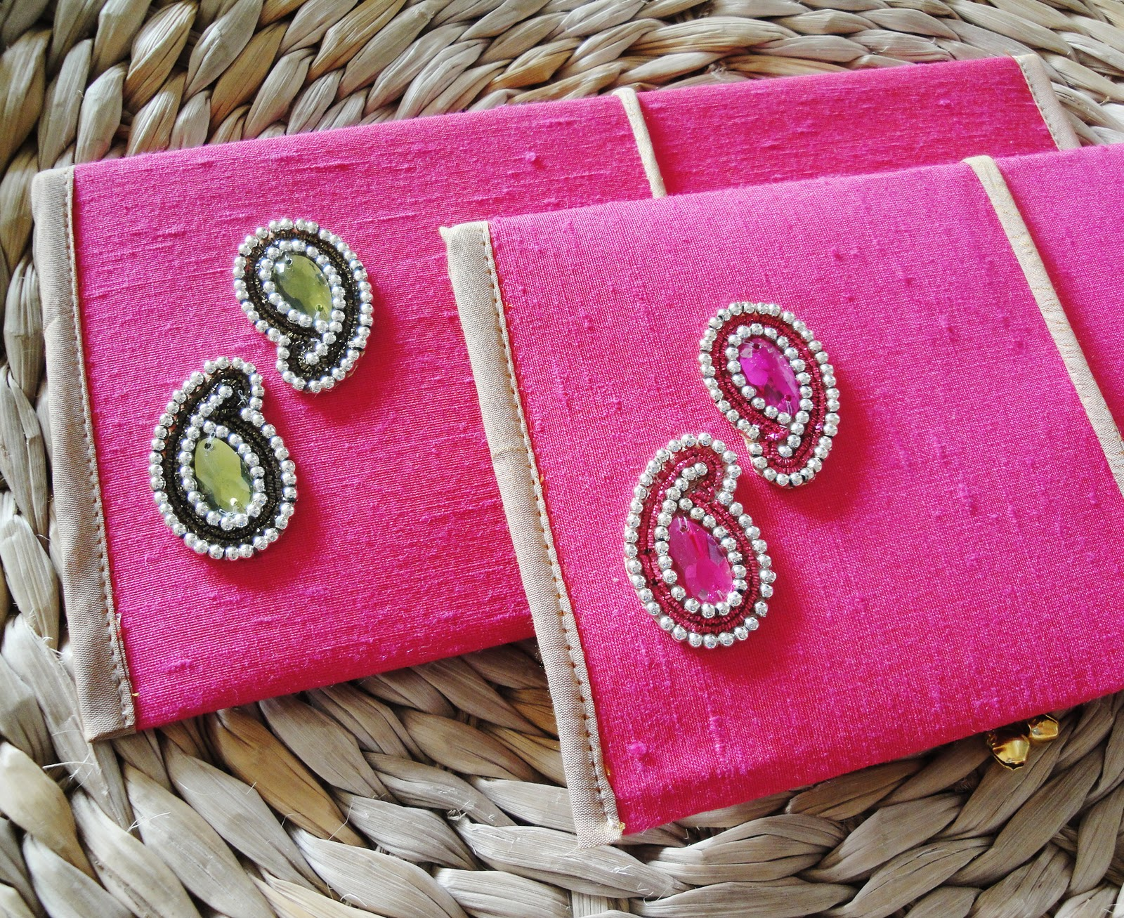 Wedding Gift Envelope India : Super for our OTT Indian Weddings arent they??