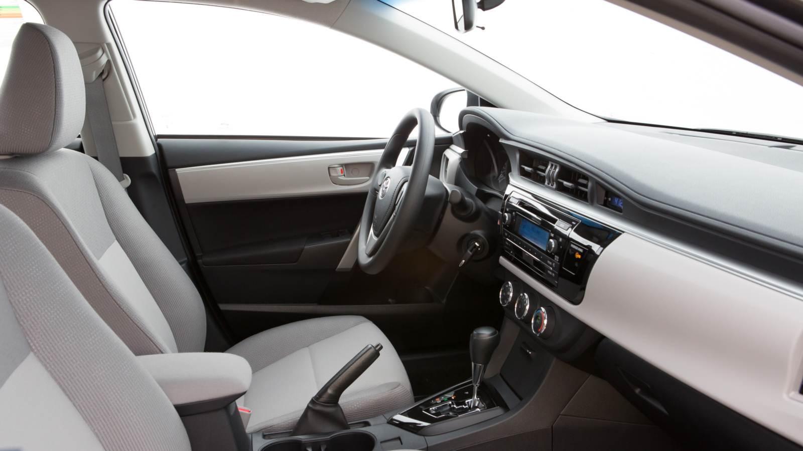 Novo Corolla XEi 2015 - interior - detalhe do sistema multimídia com