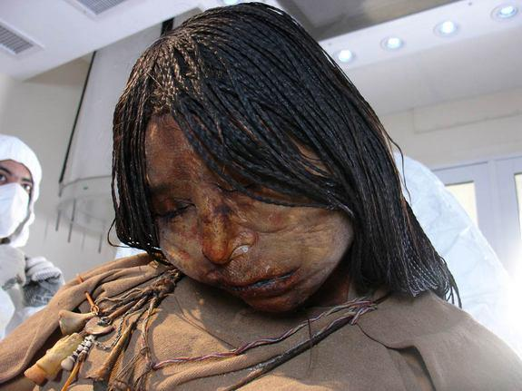Look Amazing - The Maiden mummy of a 15-year-old girl