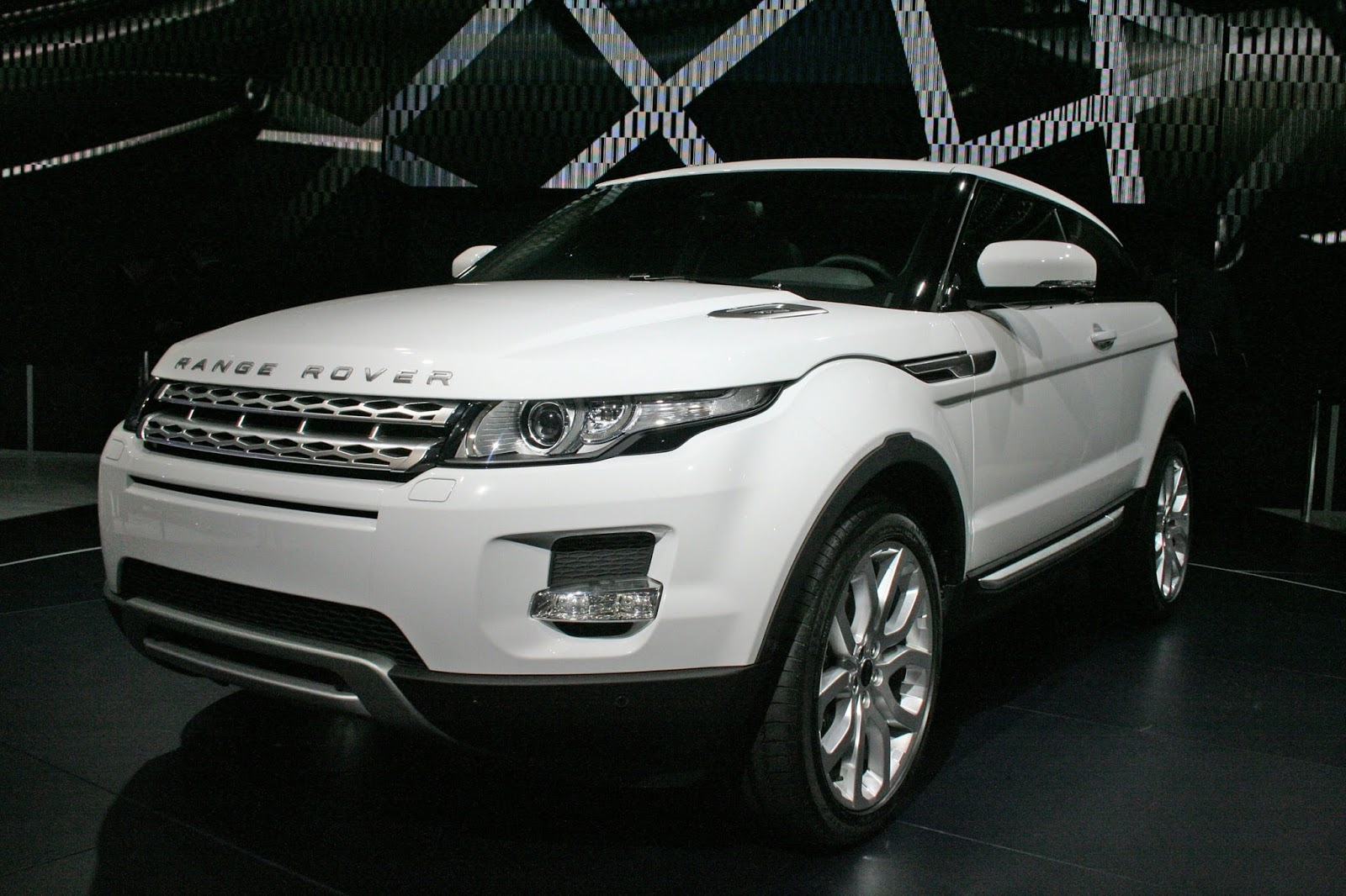 Land Rover Range Rover Evoque Spy Photos Wallpaper Specification