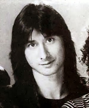 1949 steve perry elite lead singer of journey and a solo artist was