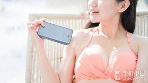 Chùm ảnh hot girl nóng bỏng bên Samsung Galaxy Note II. Chuyên mục Người đẹp và công nghệ