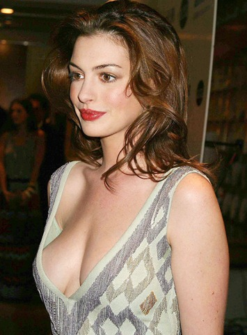 Anne Hathaway Sexy Hot Photos