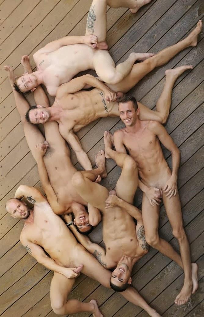 Modèles hommes nus
