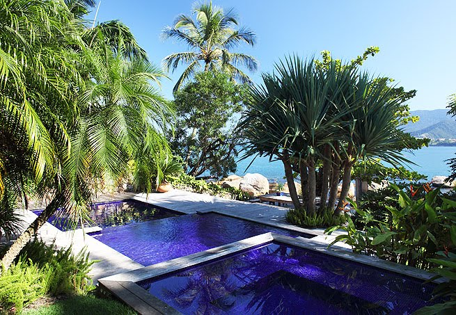 plantas jardim litoral : plantas jardim litoral:Nesta casa em Ilhabela, litoral de São Paulo, a piscina foi ampliada