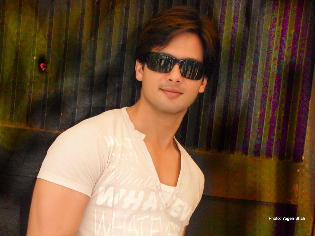 download free hd wallpapers of shahid kapoor ~ download free hd