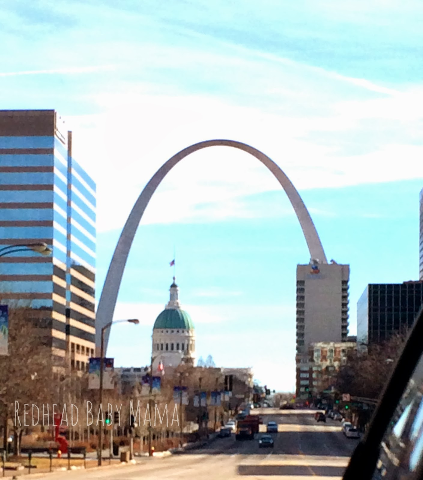 St. Louis arch - Gateway to the West - Redhead Baby Mama